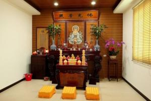 Bàn thờ Phật Quan Âm không đặt chung với các vị Thần khác