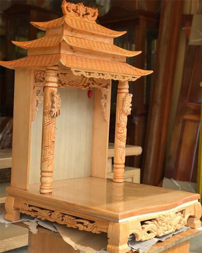 Bàn thờ Thần tài - Thổ địa mái chùa