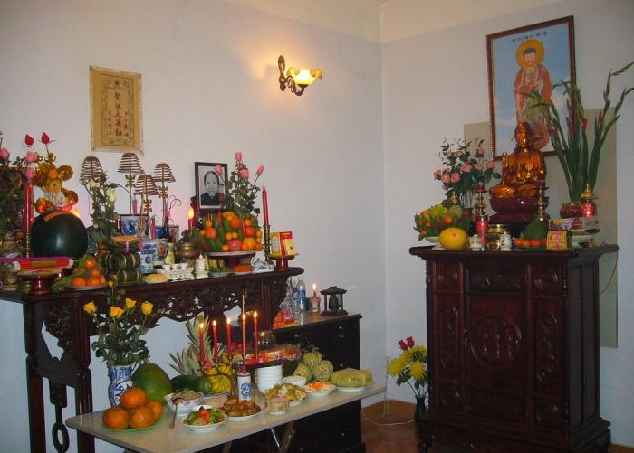 Cách đặt bàn thờ Phật và bàn thờ gia tiên