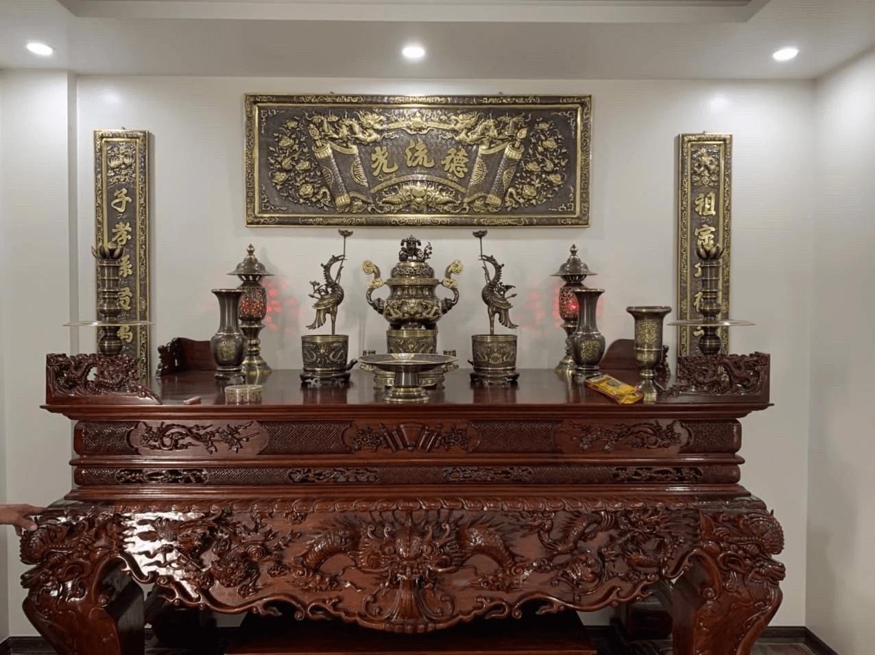 Nội dung hoành phi trên bàn thờ gia tiên