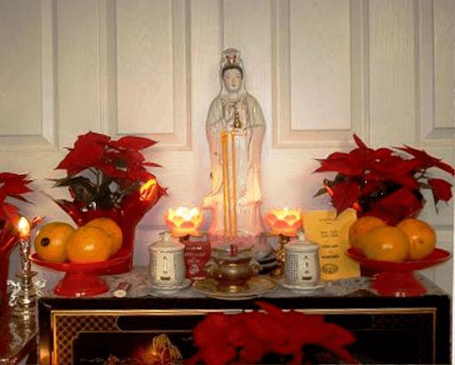 Mẹo bài trí bàn thờ Phật Quan Âm trong nhà nên biết